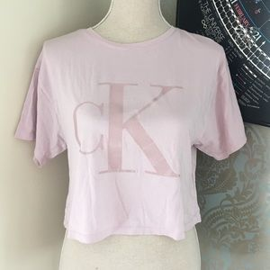 Rose Pink Calvin Klein Tshirt- slightly cropped
